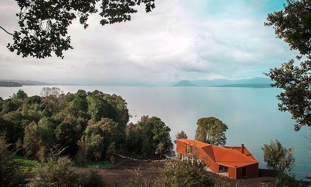 Коттедж на берегу озера Рупанко