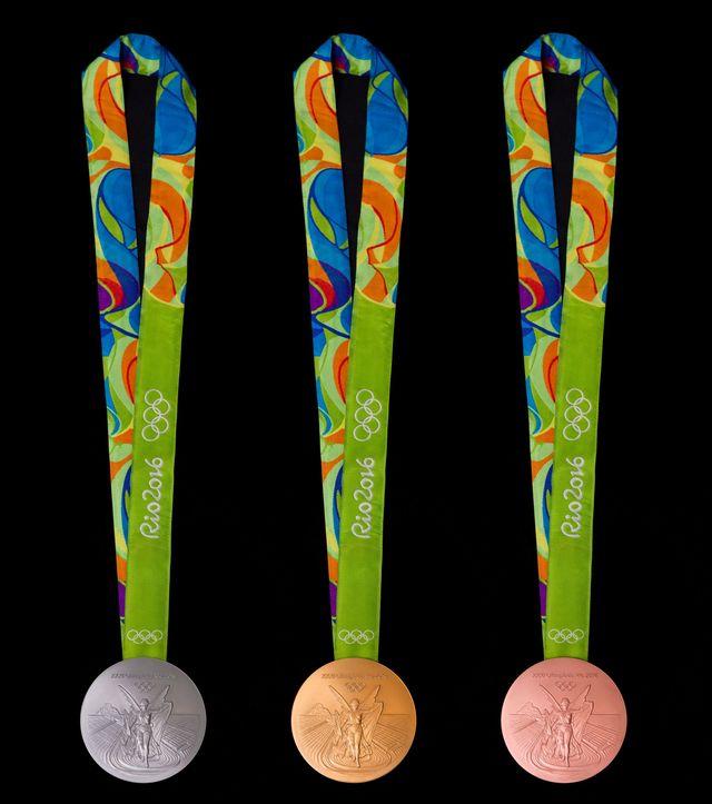 Медали XXXI Олимпиады в Рио на ленточках