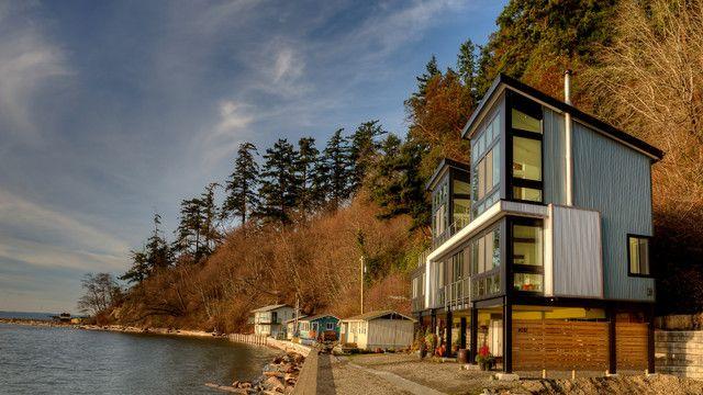 Пляжный дом расположен на побережье Камано